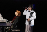 ディナーショー&コンサート『真夏の夜の夢』を開催した、(左から)X JAPANのYOSHIKI、ToshI (C)ORICON DD inc.