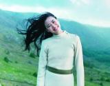 美しいアイルランドの風景に抱かれて…映画『たまたま』に主演する蒼井優 (C)2011イトーカンパニー/ポニーキャニオン