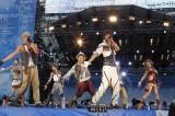 AAA(左から宇野実彩子、浦田直也、與真司郎、末吉秀太、西島隆弘、日高光啓、伊藤千晃)