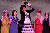 映画『モテキ』の完成披露パーティーに出席した(左から)仲里依紗、麻生久美子、森山未來、長澤まさみ、真木よう子 (C)ORICON DD inc.