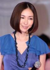 映画『モテキ』の完成披露パーティーに出席した麻生久美子 (C)ORICON DD inc.