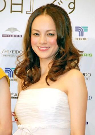 『The Best of Beauty 2011』の授賞式に出席した牧瀬里穂 (C)ORICON DD inc.