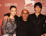 『第68回ヴェネチア国際映画祭』オリゾンティ・コンペティション部門オープニング作品として上映された『CUT』のアミール・ナデリ監督(中央)と主演の西島秀俊(右)、常盤貴子(左)