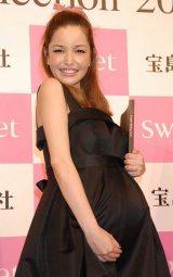 宝島社主催『sweet collection 2011』ファッションショーに出演した梨花 (C)ORICON DD inc.