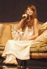 宝島社主催『sweet collection 2011』ファッションショーに出演した吉川ひなの (C)ORICON DD inc.
