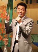 五木ひろし、『お月見の会』で新曲披露