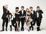 AAA(左から:浦田直也、末吉秀太、宇野実彩子、西島隆弘、伊藤千晃、與 真司郎、日高光啓)