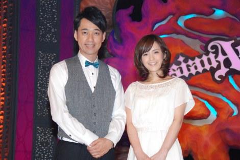 10月スタートの新番組『Asian Ace』初回収録に臨んだ、(左から)バナナマン・設楽統、杉崎美香アナ (C)ORICON DD inc.