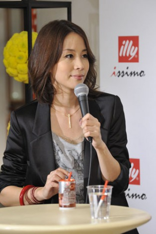 『illy issimo × BEAMS 十五夜のスペシャルナイトパーティー Supported by GINZA』イベントに出席した内田恭子