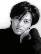 尾崎豊さん初のデジタルフォトフレームに、602点の画像&10曲のオルゴールを内蔵した