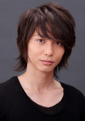 鈴木砂羽と結婚した、俳優の吉川純広