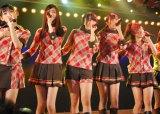 劇場デビュー公演『ひまわり1st「僕の太陽」』を行ったAKB48の新チーム「チーム4」 (C)ORICON DD inc.