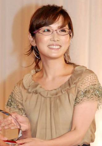 『第24回 日本 メガネ ベストドレッサー賞』の表彰式に出席した高島彩 (C)ORICON DD inc.