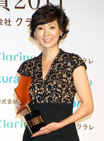 『第9回 クラリーノ美脚大賞2011』を受賞したとよた真帆 (C)ORICON DD inc.