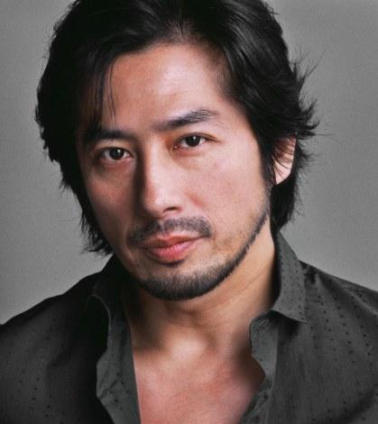 ABCスタジオ制作の最新海外ドラマ『リベンジ』に出演することがわかった真田広之