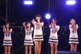 AKB48の「スカート、ひらり」を披露したHKT48