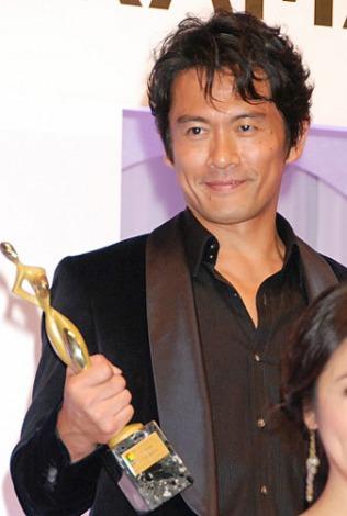 連続ドラマ『JIN-仁-』(TBS系)での坂本龍馬役が評価され、『東京ドラマアウォード2011』助演男優賞を受賞した内野聖陽 (C)ORICON DD inc.