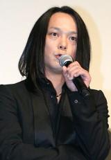 『第24回東京国際映画祭』で上映された、映画『ハードロマンチッカー』の舞台あいさつに出席した主題歌を歌うロックバンド・黒夢の人時