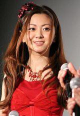 『第24回東京国際映画祭』で上映された映画『明日に架ける愛』舞台あいさつに登壇した、主題歌担当の倉木麻衣 (C)ORICON DD inc.