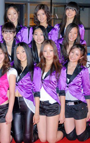 CD発売が決定した「E-Girls」のメンバー・FLOWER(前列左から坂東希、藤井萩花、佐藤晴美、中央列左から中島美央、重留真波、市來杏香、後列左から坂東希、藤井萩花、佐藤晴美)(前列左からMIYUU、YURINO、SAYAKA、MIMU、後列左からKAREN、KAEDE、MAYU) (C)ORICON DD inc.