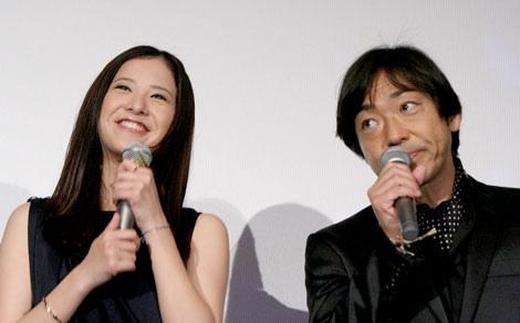 映画『カイジ2 人生奪回ゲーム』初日舞台あいさつに登壇した吉高由里子、香川照之(C)ORICON DD inc.