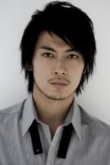 新作映画『綱引いちゃった!』(2012年公開予定)に出演する玉山鉄二