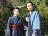 (左から)青山倫子、渡辺大