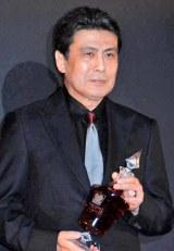 『WHISKY LOVERS AWARD 2011』の「Best Whisky Lover」に選ばれた松本幸四郎 (C)ORICON DD inc.