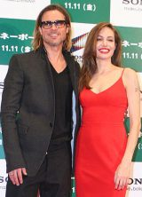 映画『マネーボール』PRのため来日した、ブラッド・ピット(左)と妻のアンジェリーナ・ジョリー (C)ORICON DD inc.