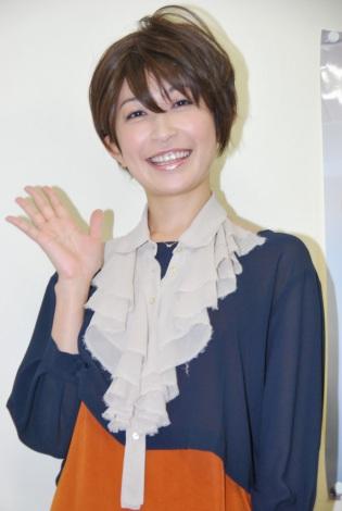 サムネイル 写真集『Switch』発売記念イベントで笑顔を見せる小野真弓 (C)ORICON DD inc.