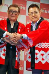 仲本工事(左)と加藤茶のツーショット (C)ORICON DD inc.