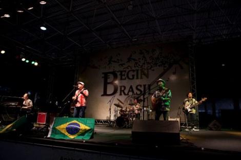 ブラジルで初コンサートを開催したBEGIN