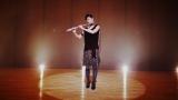 フルート奏者役を演じ、美しい音色を奏でた