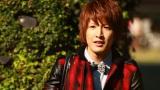 Dear「幸せになりたい。feat. CLIFF EDGE」のMVより、松岡卓弥