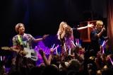 都内で初ライブを行った、柴咲コウ率いるgalaxias!(左から:DECO*27、柴咲コウ、TeddyLoid)