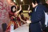 中国・上海で握手会を行う北原里英