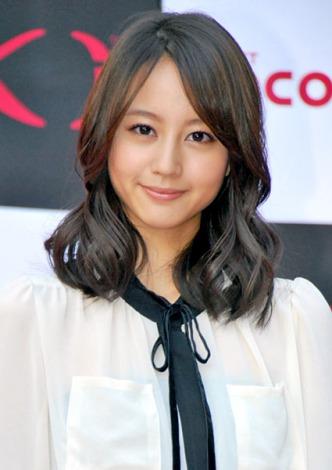 NTTドコモの新製品『Xiスマートフォン』発売開始記念イベントに出席した堀北真希 (C)ORICON DD inc.