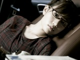 前田敦子のメガネショット