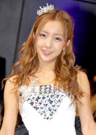 サムネイル 『日本ファッションリーダーアワード2011』を受賞したAKB48・板野友美 (C)ORICON DD inc.