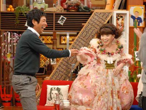 『さんまのまんま』(関西テレビ・フジテレビ系)特番で、黒柳徹子(右)と明石家さんまが20年ぶりのテレビ共演