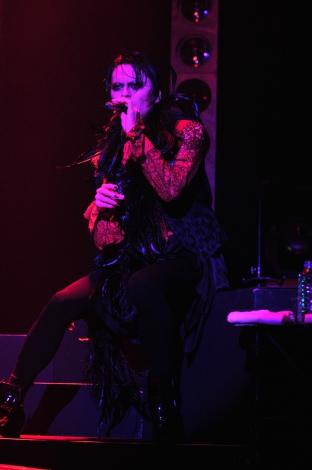 """12月8日に開催された""""うたかたのRAZZLE DAZZLE""""振替公演ライブ ZEPP TOKYOの様子/写真・MASA"""