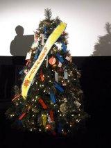 """映画『怪物くん』クリスマスプレゼント上映会で飾られた""""ワガママツリー"""""""
