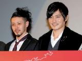 映画『マイウェイ 12,000キロの真実』の完成披露試写会の舞台あいさつに登壇した(左から)オダギリジョー、チャン・ドンゴン (C)ORICON DD inc.