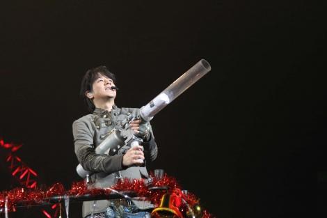 21日に行われたさいたまスーパーアリーナ公演では12,000人のファンを前に全28曲を歌い上げた