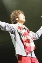 コンサートで新曲「未来の僕らへ」を披露した藤澤ノリマサ