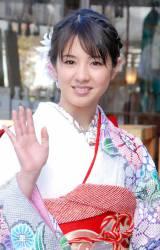 艶やかな振り袖姿で今年の抱負を明かした桜庭ななみ (C)ORICON DD inc.