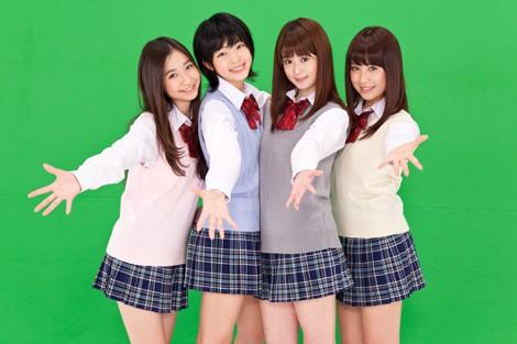 サムネイル (左から)綾乃美花、秋月三佳、朝倉由舞、衛藤美彩