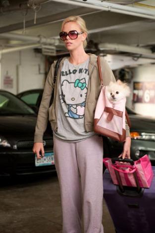 第23回パームスプリングス国際映画祭の「バラエティ・インディー・インパクト・アワード」を受賞したシャーリーズ・セロン(映画『ヤング≒アダルト』より)