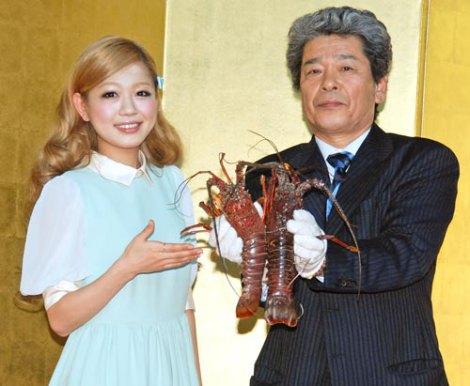 三重県のレストランフェアのオープニングセレモニーに出席した、みえの国観光大使・西野カナ (C)ORICON DD inc.