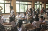 インドネシアの学校を舞台にしたJKT48「Heavy Rotation」のMVが完成(写真はMV撮影時)